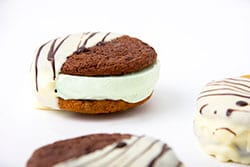Green-Mint-SS-Cookie-Sandwiches